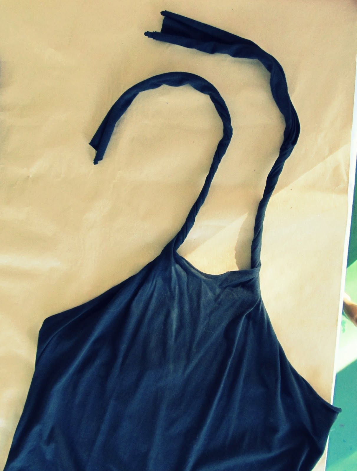 Wobisobi: No Sew, DIY Tee-Shirt Halter.  The best t shirt makeover design I have found.