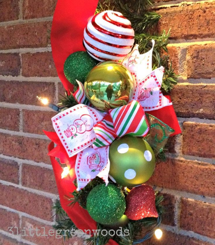 Bright and Cheery Christmas Porch Outside seasonal Pinterest