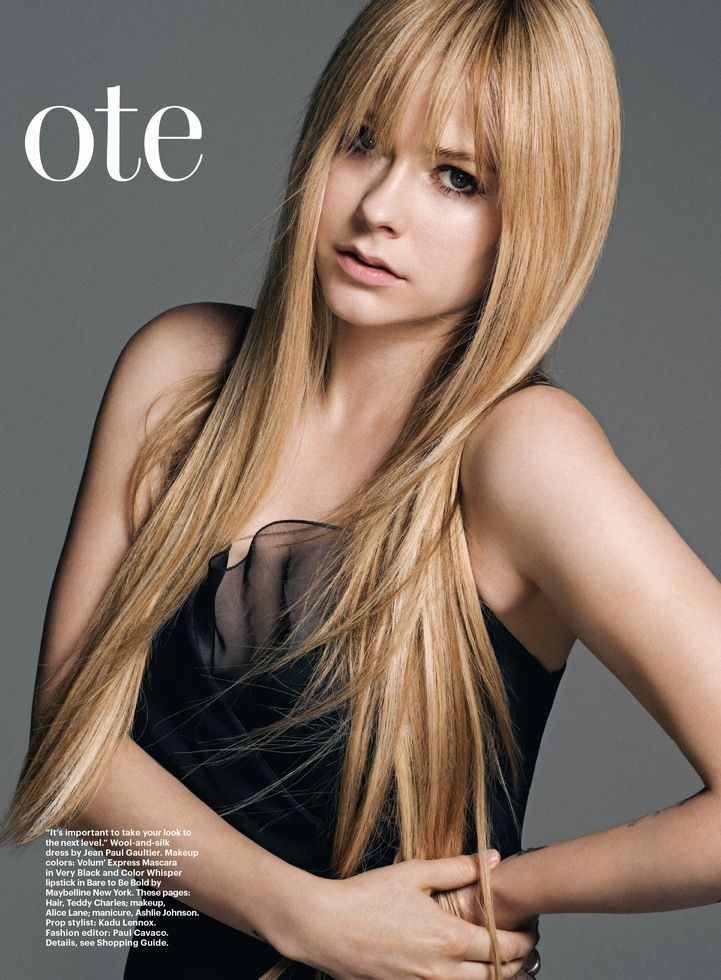 Avril Lavigne Long Layered Hair With Bangs Avril Lavigne Style Hair Styles Blonde Wig