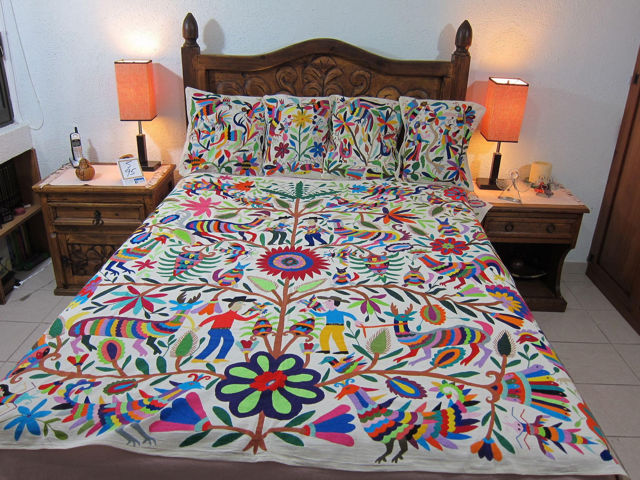 Popular Mexican patterns - Otomi fabric and textiles for home decoration  NE57