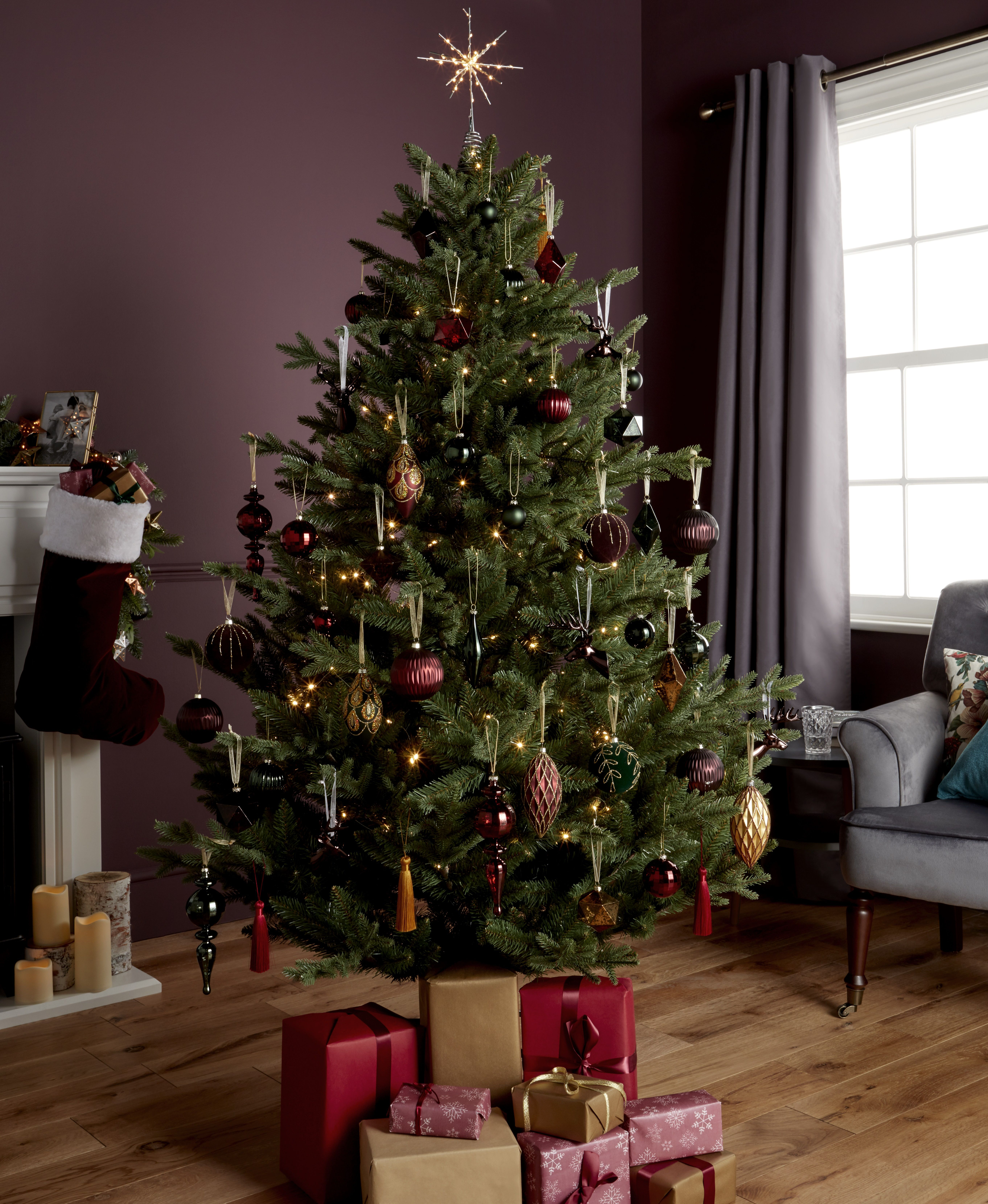 It Doesn T Quite Feel Like Christmas Until The Tree Is Decorated Presents Are Wrapped And Stockings Are Finally On The Mantelpie Holiday Decor Decor Christmas