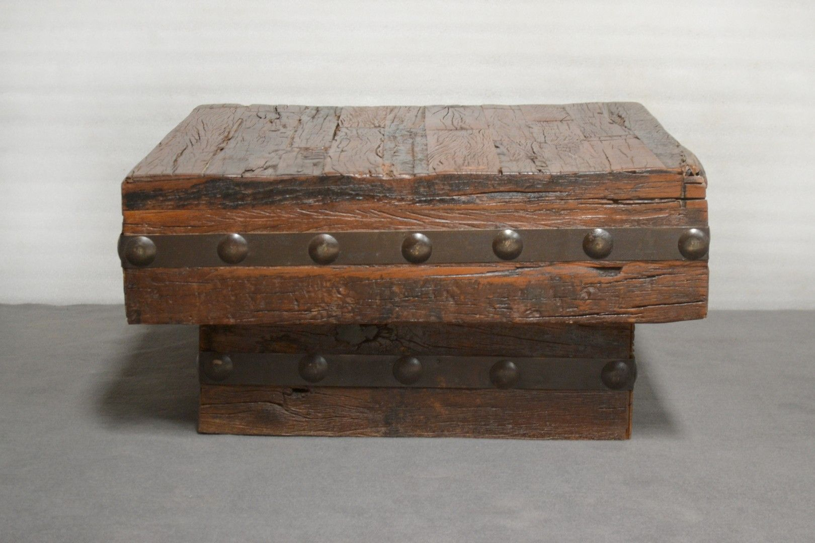 Rustic Coffee Table Sleeper Wood W Metal Studs 35w X 35d X 18h 387 00 Resajamesimport Decoratie [ 1080 x 1620 Pixel ]