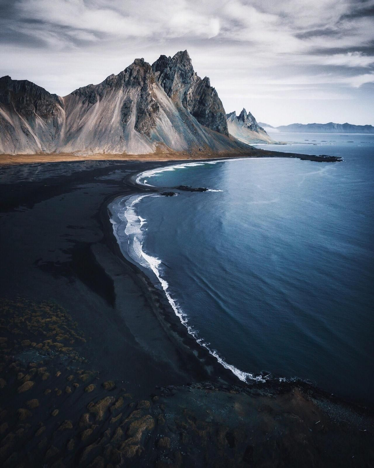 h fn black sand beach iceland beautiful locations in. Black Bedroom Furniture Sets. Home Design Ideas