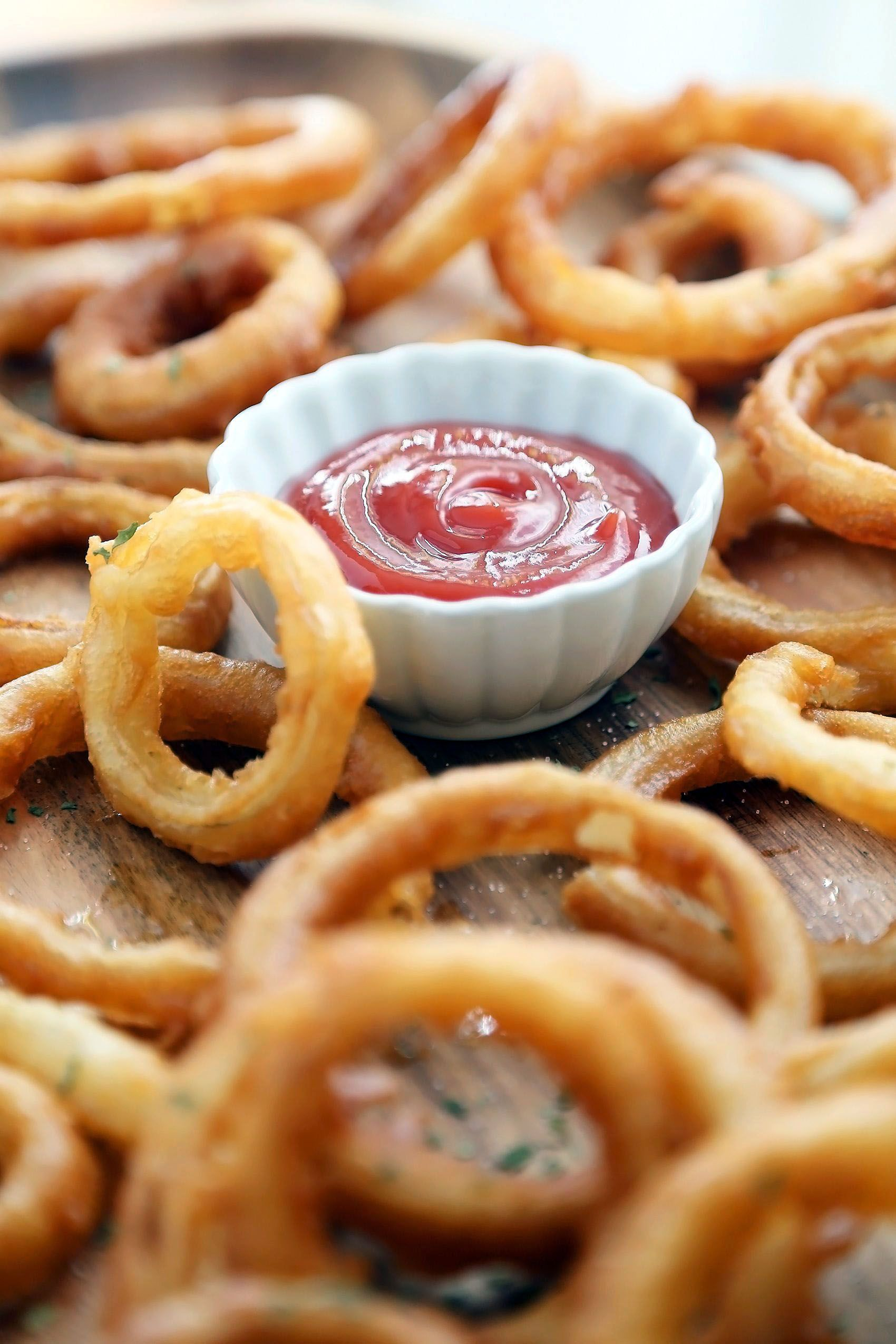 Enjoyable Fried Onion Rings With Buttermilk Just On Jurusolek Com Crispy Onions Onion Rings Food