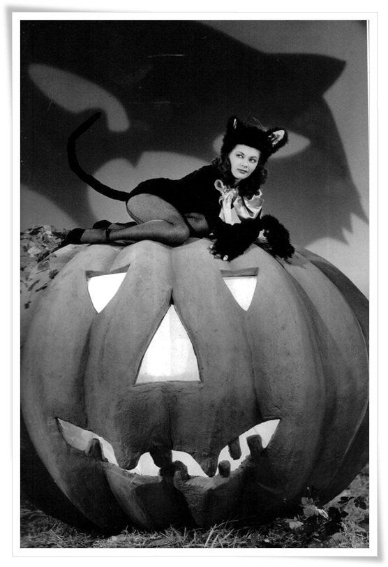 Yvonne DeCarlo Vintage Hollywood Halloween Pin Ups