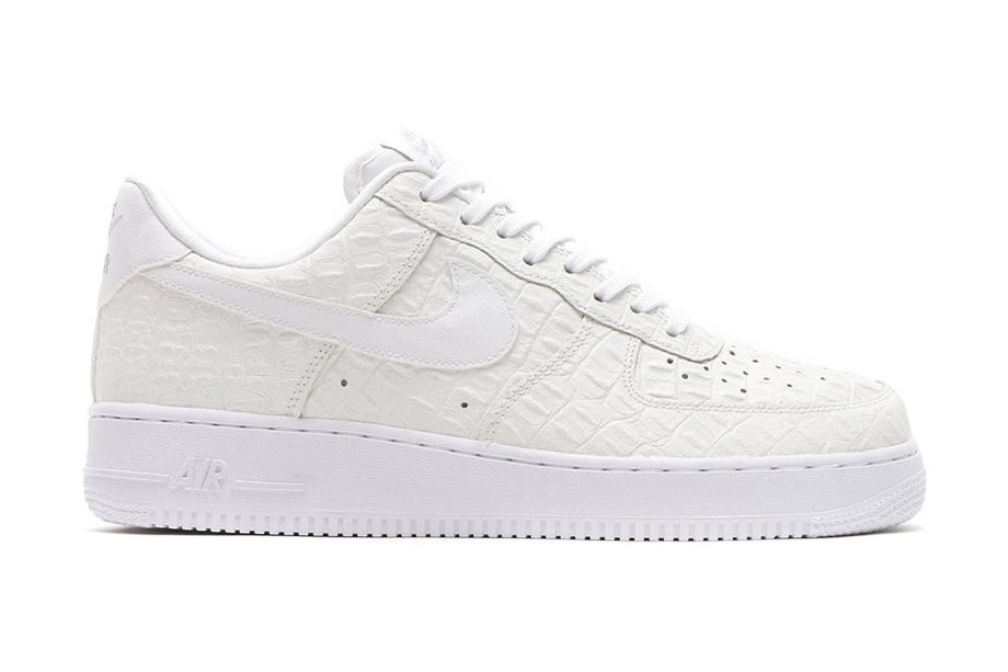 finest selection b17b1 76bb2 Nike Air Force 1 LV8