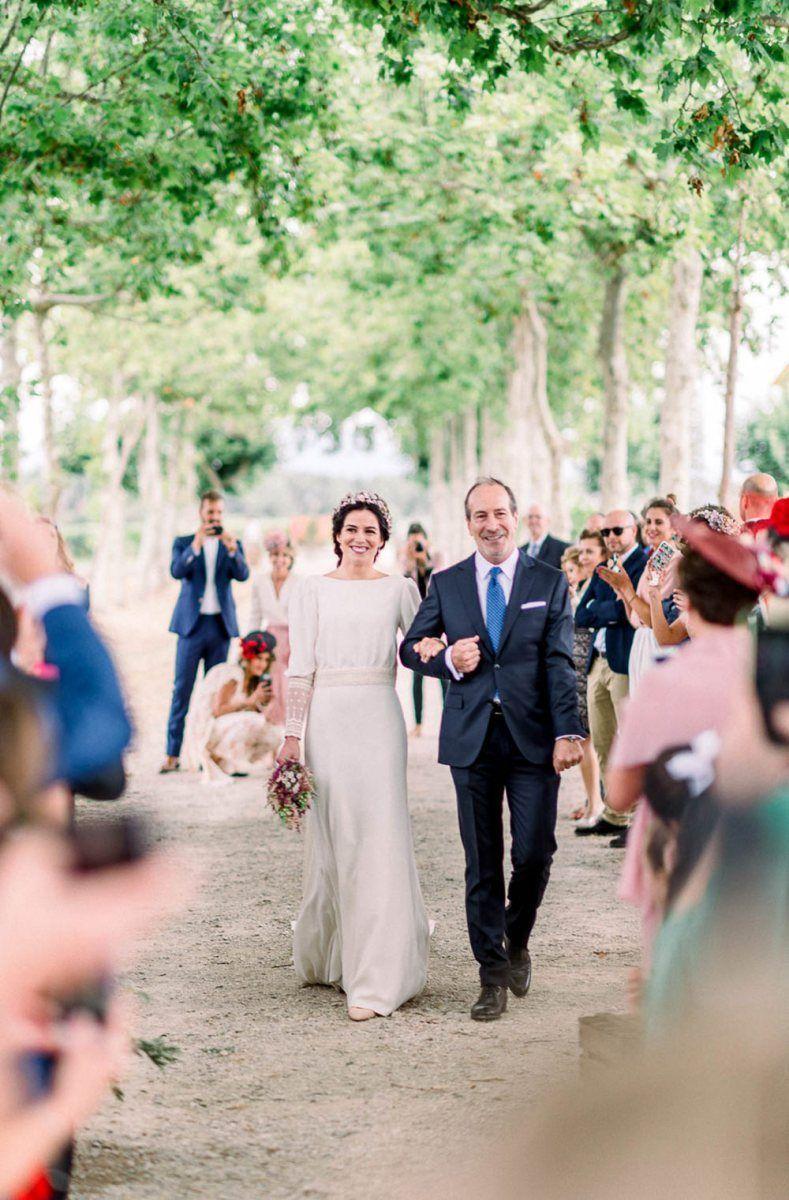 Astilbe Wedding Bouquet & Victoria Imaz Minimalist Wedding Dress #astilbebouquet Astilbe Wedding Bouquet & Victoria Imaz Minimalist Wedding Dress