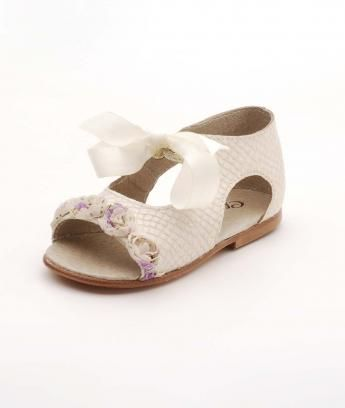 f7cd4724b9cc Chupeta shoes .so cute.