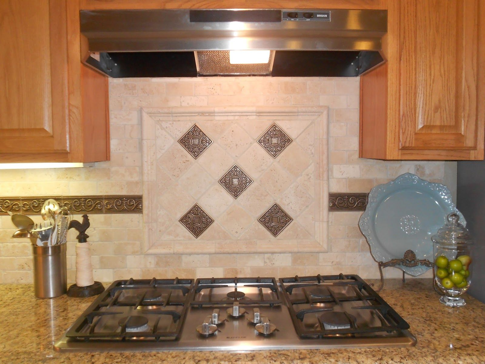 Tumbled Marble Kitchen Backsplash Tumbled Marble Backsplash With Multi Colored Glass Accent Strip