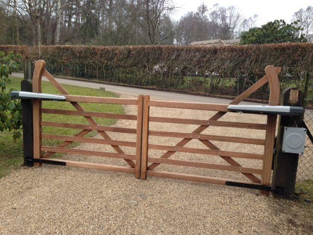 Electric Gates in Herts : Herts Electric Gates Ltd | Farm
