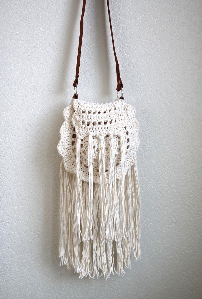 Boho Tassel Crochet Bag - Free Pattern | Crochet Bags | Pinterest ...