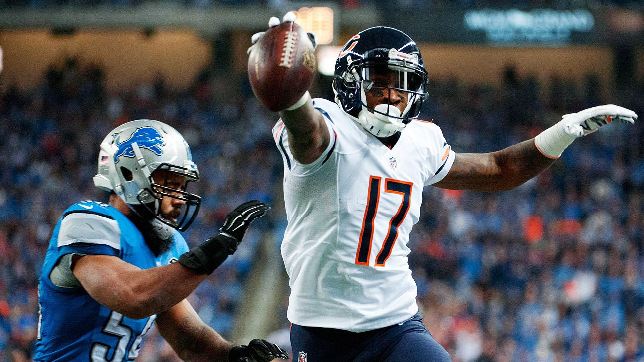 WR Jeffery receives franchise tag from Bears Football