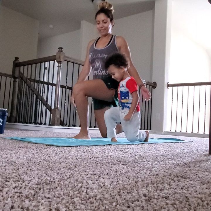 Cutest lunges ever ❤ Happy Saturday! . . . . .   #workout     #gym     #fitness     #fitlife     #fi...