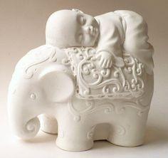 buda bebe sobre elefante (buda del buen descanso). yeso. #buddhadecor