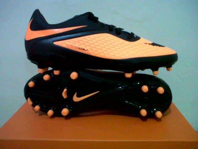 New Nike Hipervenom FG