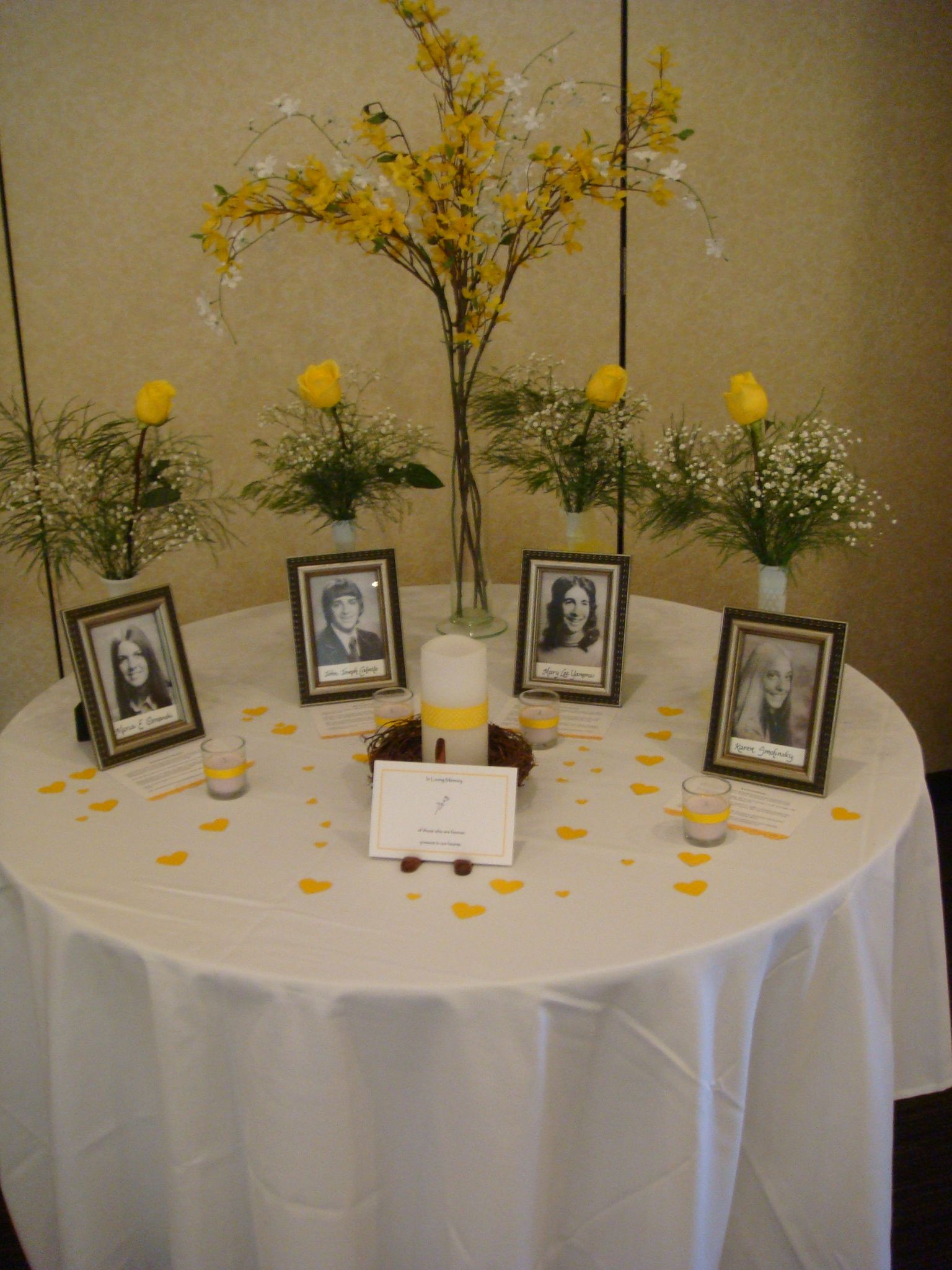 class reunion ideas memorial table