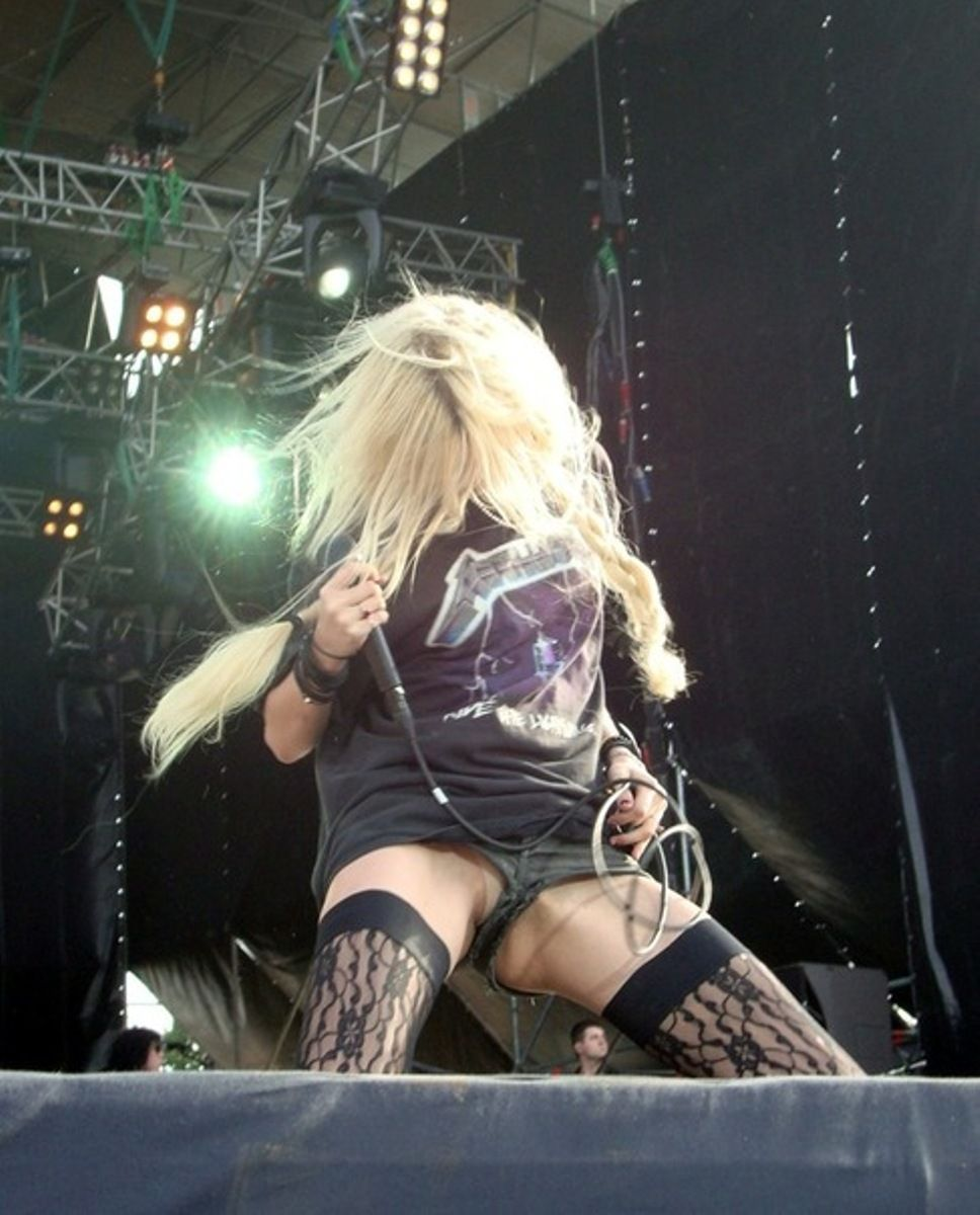Taylor momsen upskirt shot uncensored