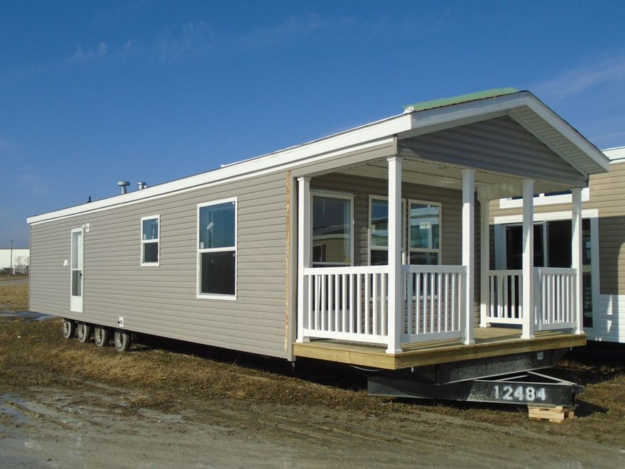 Freemont 14 X 48 578 Sqft Mobile Home Our Nappanee Indiana Sales Center Delivers Finely Built Mobile Homes T Tiny Mobile House Manufactured Home Home Center