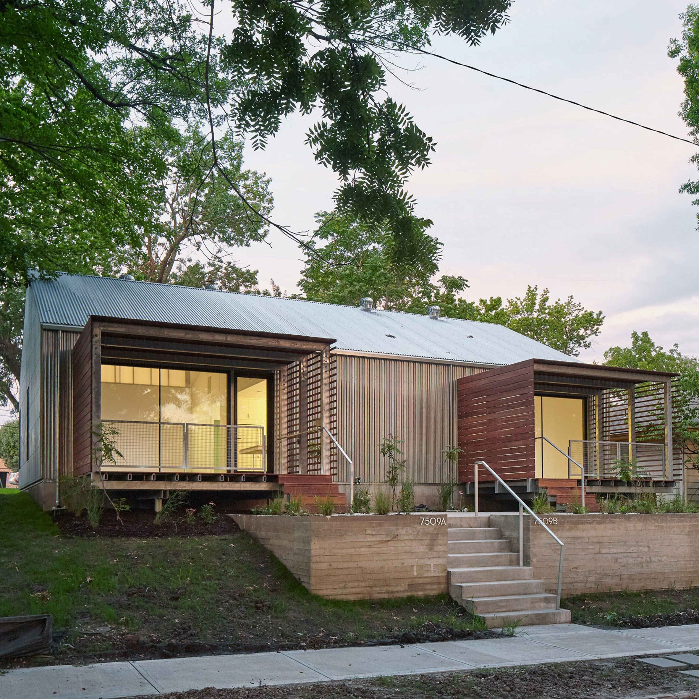 Kansas City Students Wrap Affordable Home In Corrugated