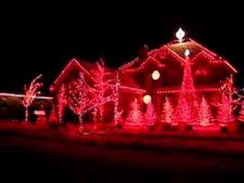 Synchronized Christmas lights play to music - Carol of the Bells - Synchronized Christmas Lights Play To Music - Carol Of The Bells