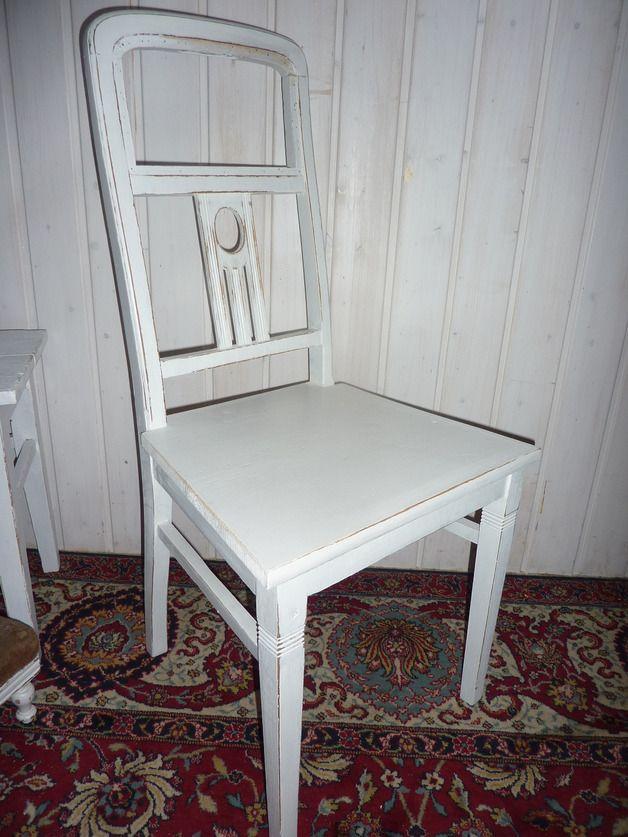 vintage st hle bezaubernder jugendstil stuhl in wei ein designerst ck von vintage shabby. Black Bedroom Furniture Sets. Home Design Ideas