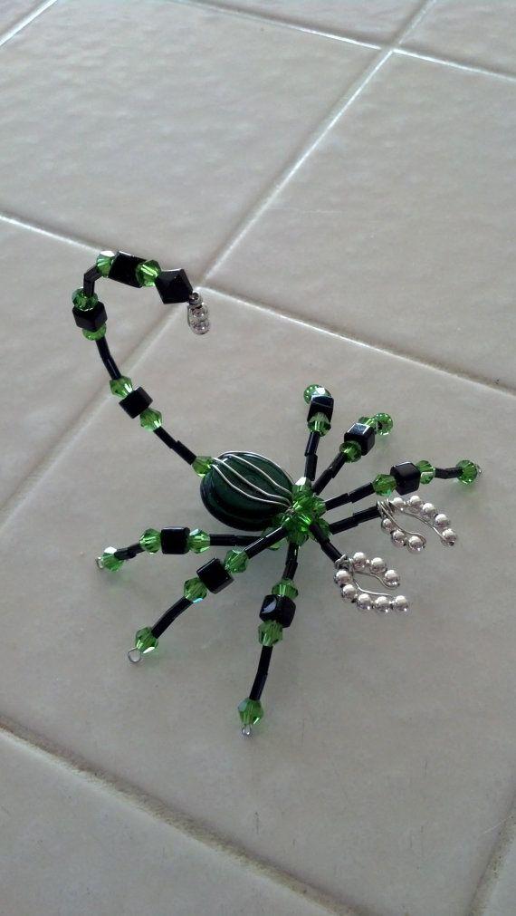Beaded scorpion, black and green | Pinterest | Perlentiere, Perlen ...