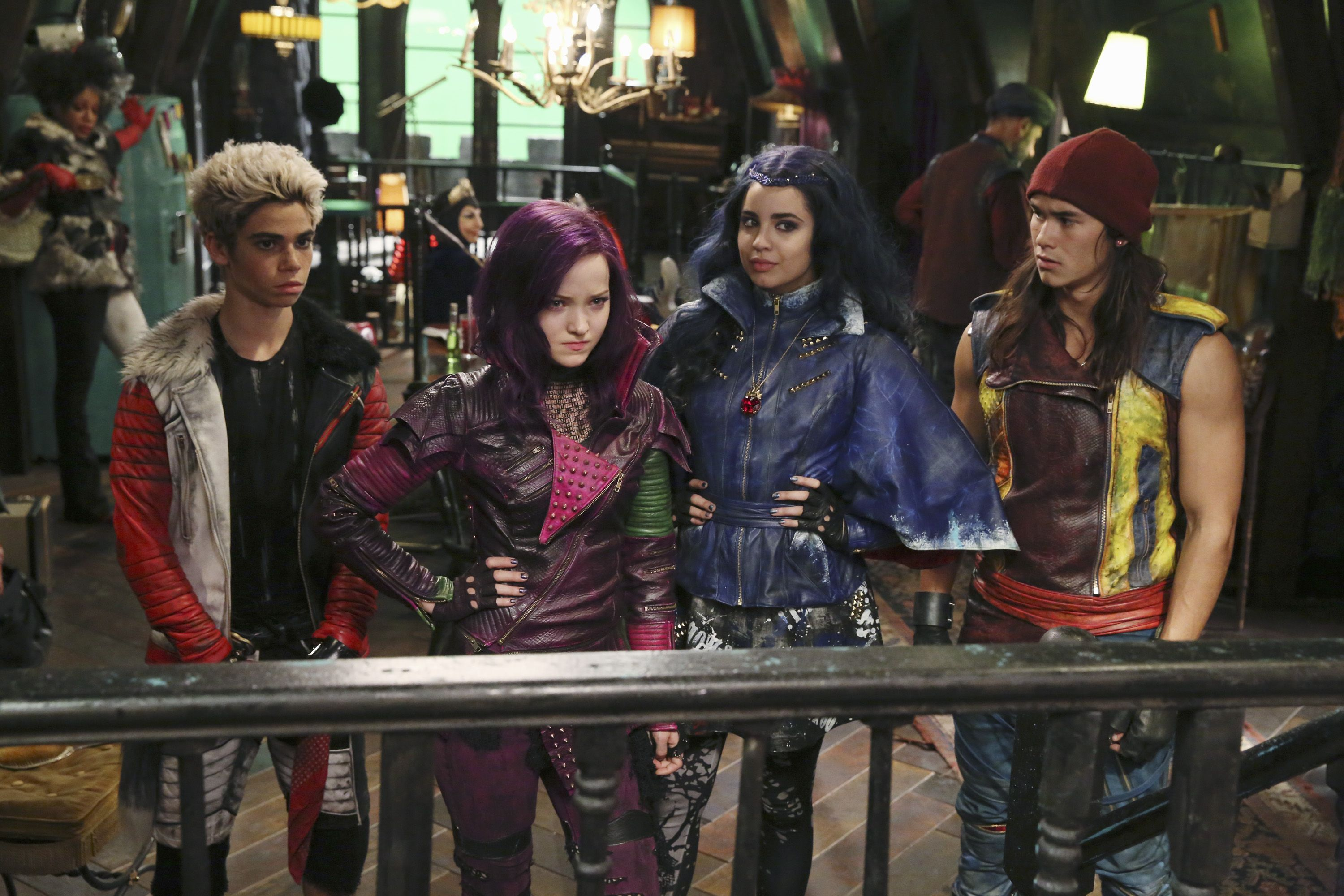 disney's descendants 2 movie - HD 3000×2000