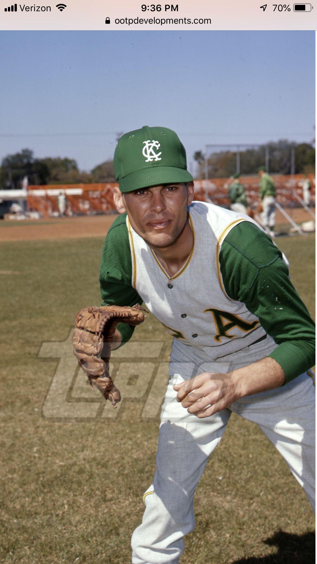 Pin By Maynman On Cutoff A S Misc Baseball Photography Mlb Uniforms Baseball Uniforms