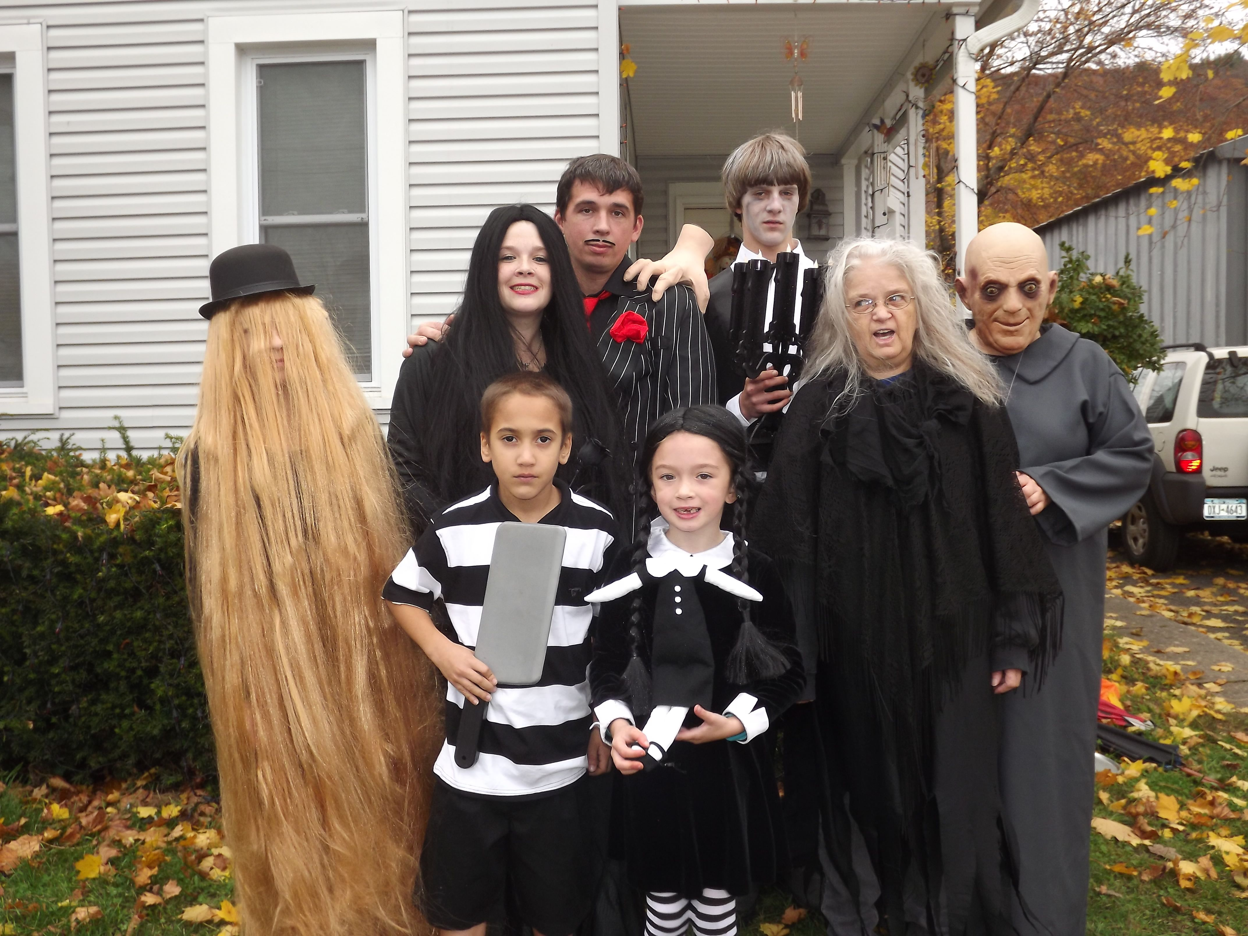 addams family costumes halloween 2012