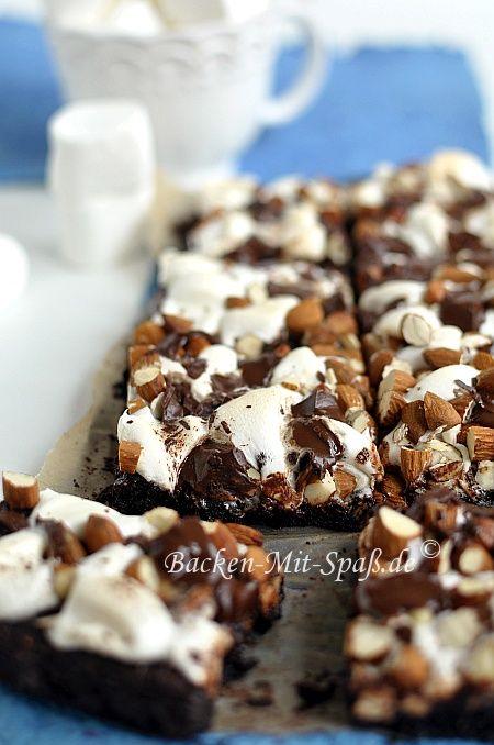 Brownies mit Mini-Marshmallows und Mandeln #marshmallows
