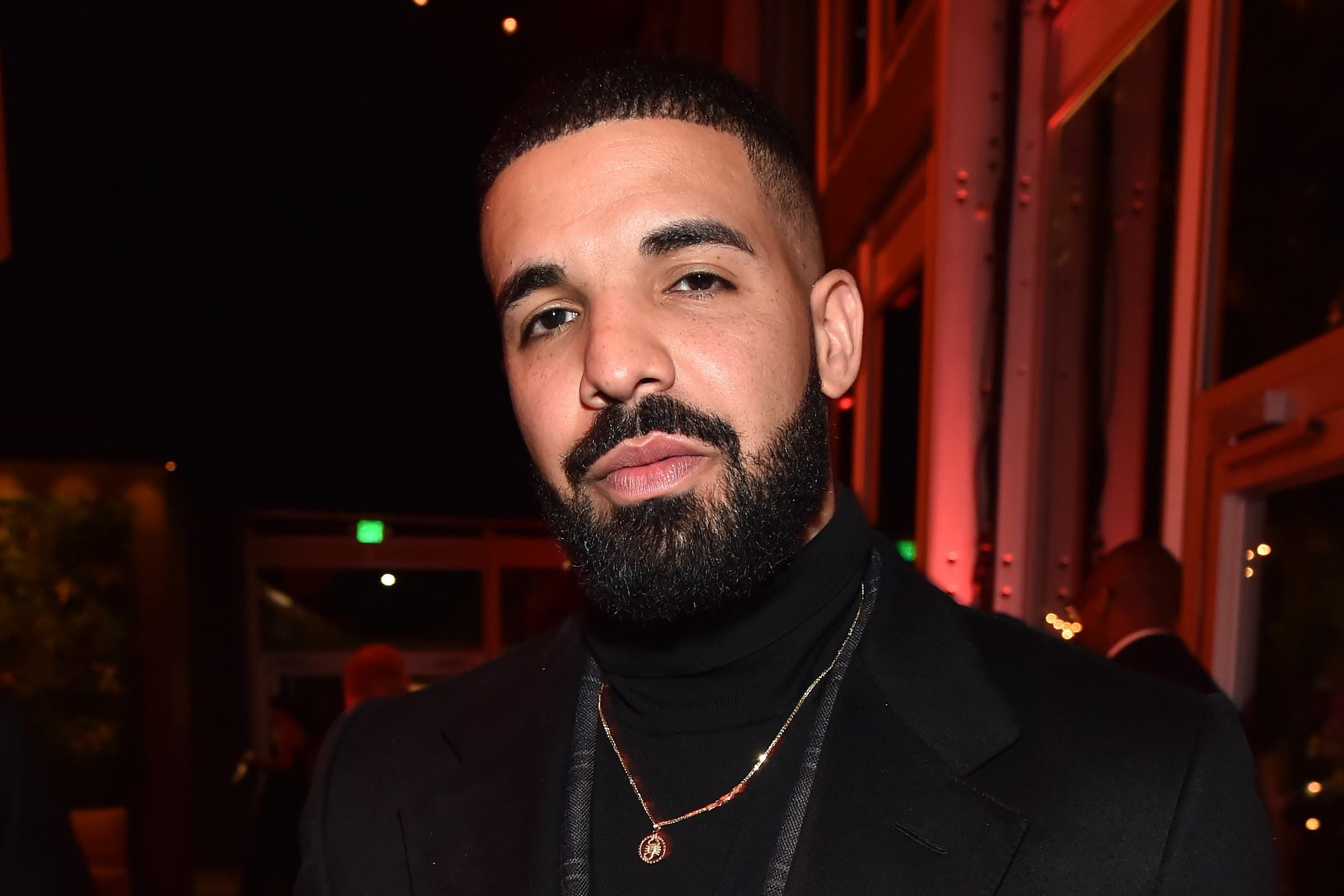 دريك ينشر صورة لابنه الأشقر في أول يوم مدرسة والنجوم مبهورون Drake Beard Drake Drake Shows