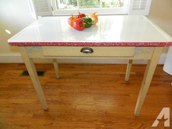 Vintage 1940 S Enamel Top Kitchen Farm Table 199 Kitchen Tables For Sale Antique Kitchen Table Kitchen Farm Table
