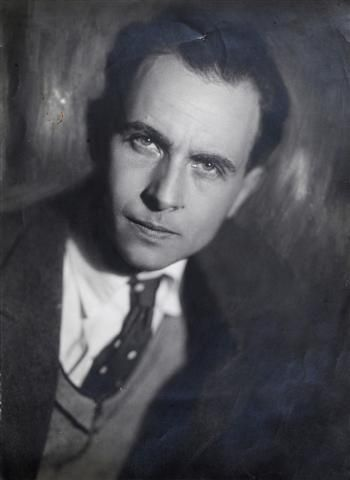 "Louis Aragon. The Cubist poets' influence on both Cubism and the later movements of Dada and Surrealism was profound; Louis Aragon, founding member of Surrealism, said that for Breton, Soupault, Éluard and himself, REVERDY was ""our immediate elder, the exemplary poet."""