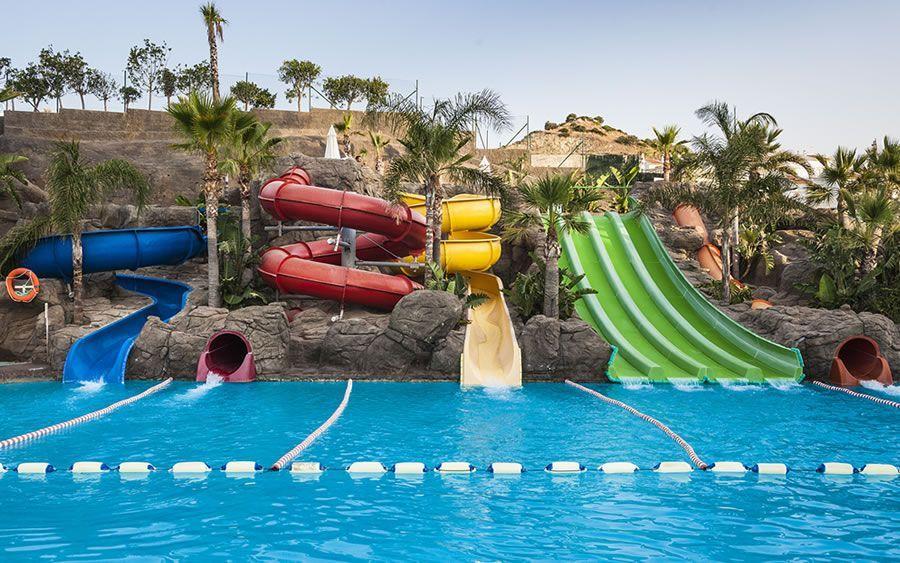Los Hoteles Con Toboganes De Andalucía 2020 Toboganes Hoteles Hoteles De Playa