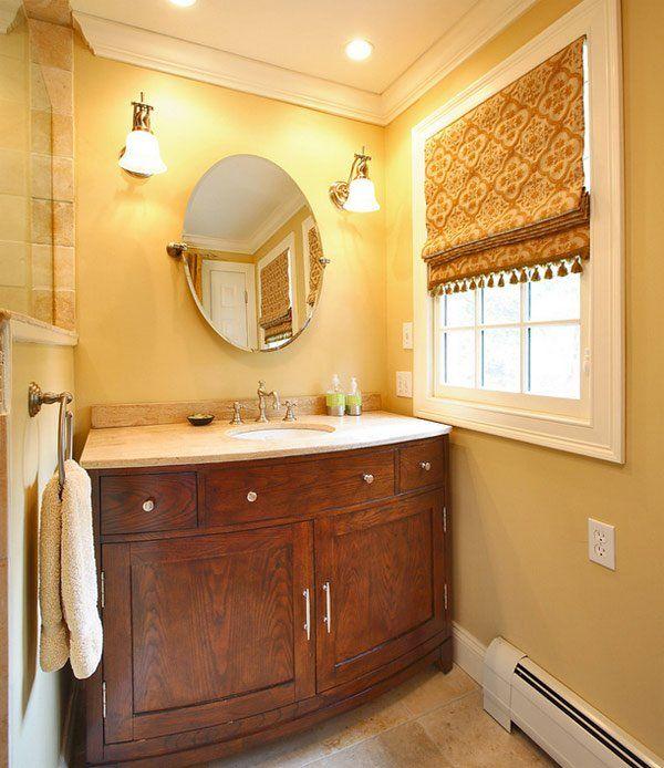 20 conceptions pour le traitement de fenêtre de salle de bains