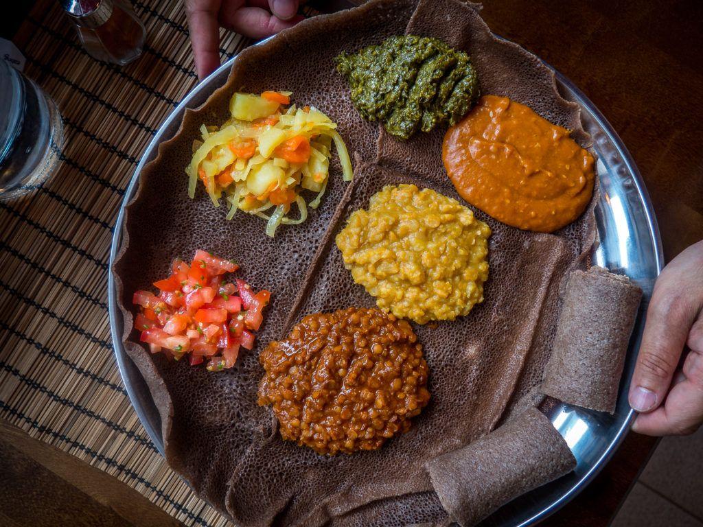 Helsingistä saa nykyään Etiopialaistakin ruokaa. Addis kitchen on vahva lisäys helsingin ravintola tarjontaan jota ei parane ohittaa.