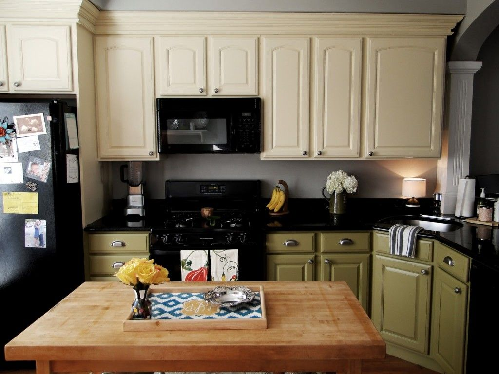 Different Color Kitchen Cabinets Island Electrical Outlet Bottom And Top Seven Pines