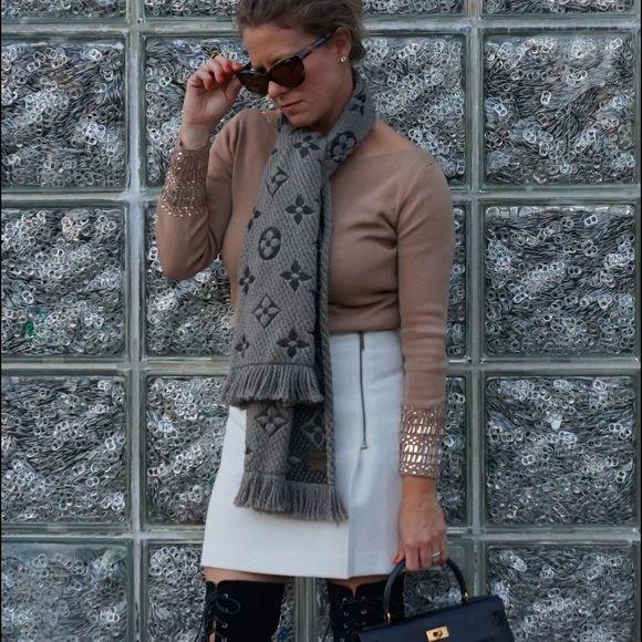 a7230febc7a1 Louis Vuitton Accessories - Louis Vuitton logomania scarf