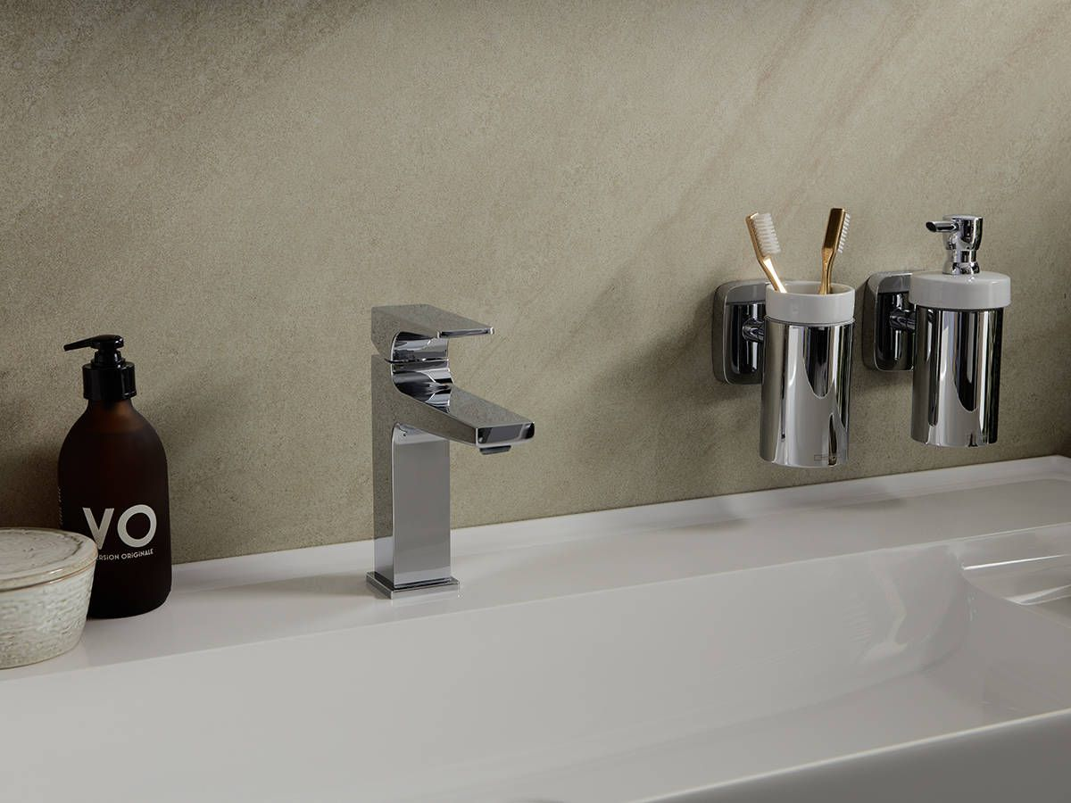 Single Hole Hansgrohe Metropol Bathroom Faucet With Toothbrush Holder And Soap Dispenser Bathroom Soap Dispenser Bathroom Soap Modern Bathroom [ 900 x 1200 Pixel ]
