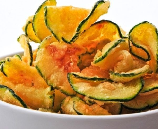Photo of Anyone for some Baked Zucchini Chips With Paprika and Sea Salt?  This is just on…