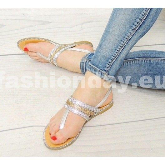 Dámske sandále v striebornej farbe so zapínaním na boku - fashionday.eu