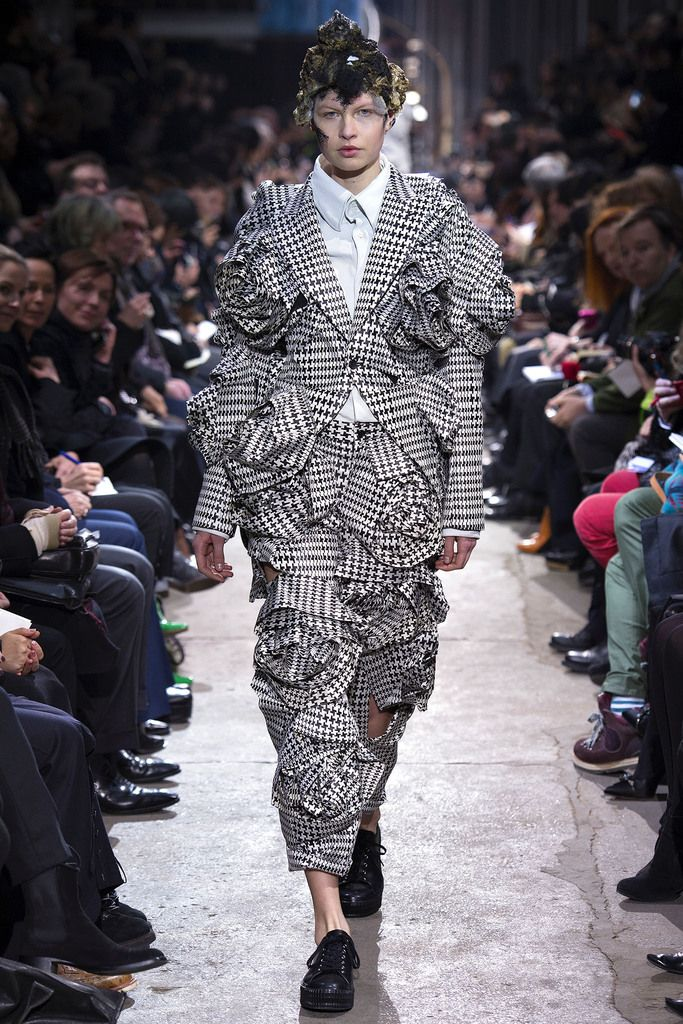 Comme des Garçons Fall 2013 Ready-to-Wear Collection