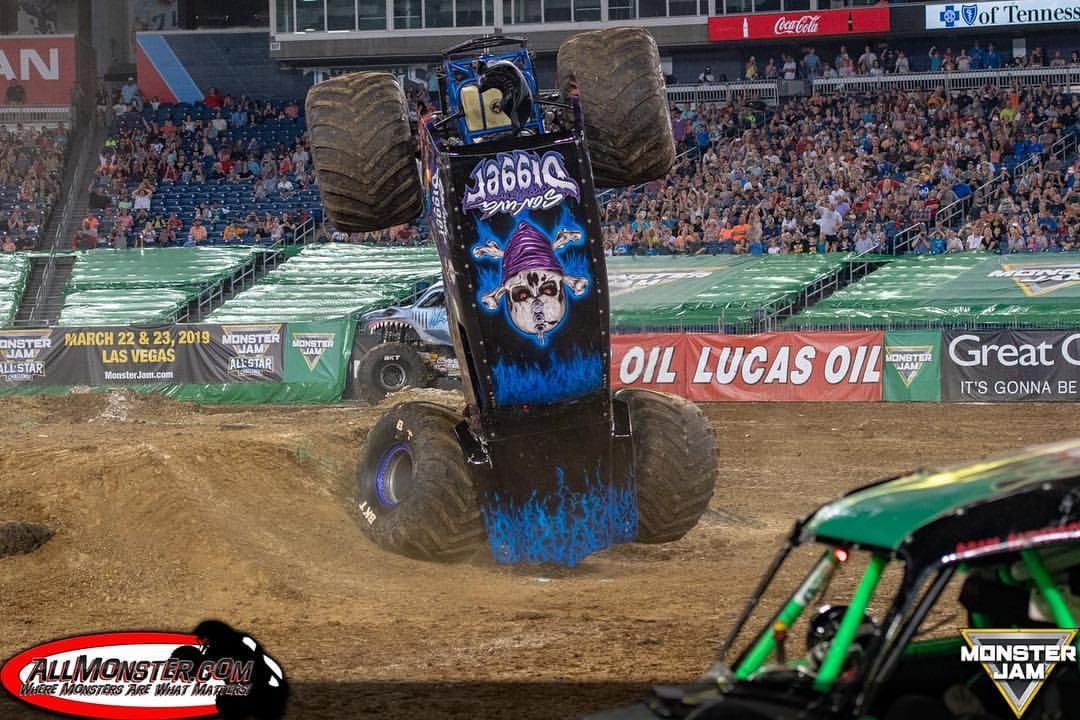 Looking for a penny like        #SonUvaDigger #MonsterJam
