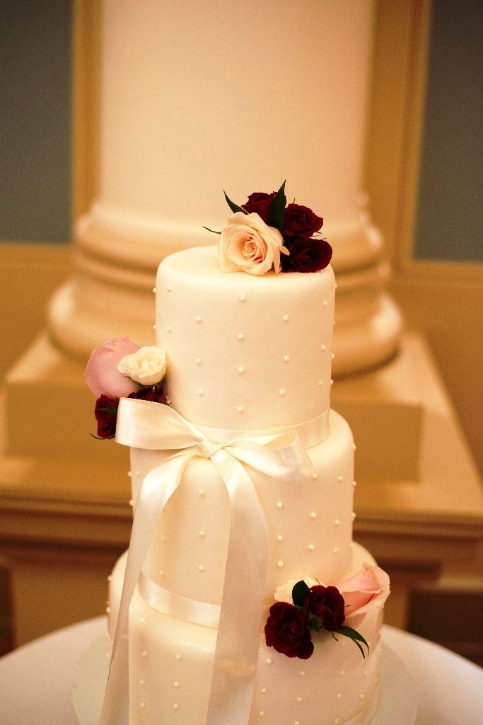 cake flowers, wedding cake decor, wedding ideas, wedding cake ideas ...