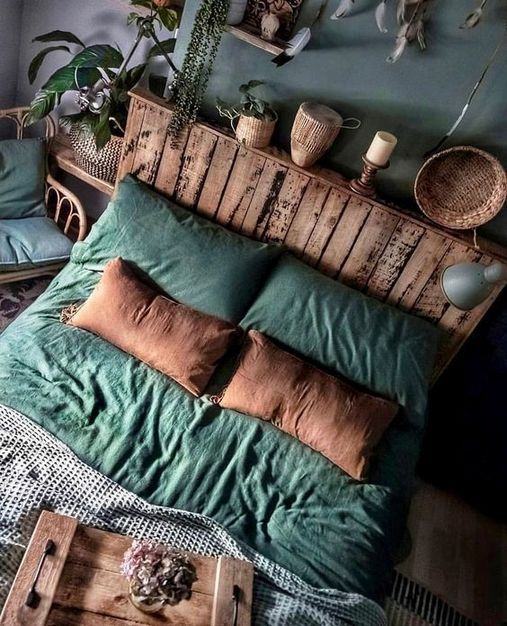 39+ Life, Death, and Plants in Moody Bedroom - pecansthomedecor.com #bedroomdecor