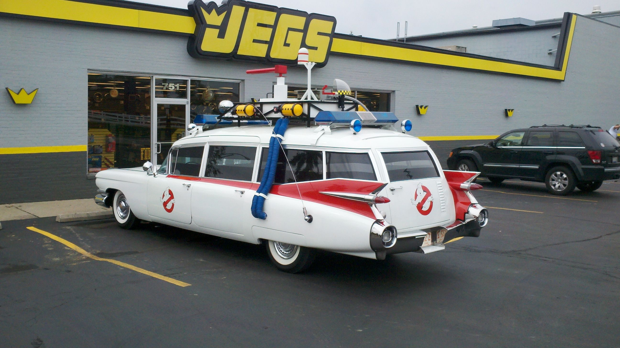 A well done 1959 cadillac ghostbusters ecto