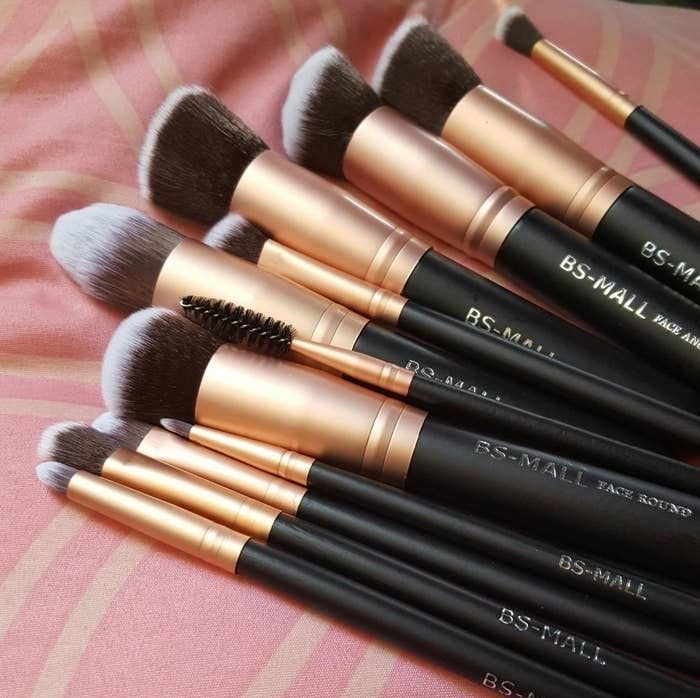 Photo of A beautiful 14-piece makeup brush set perfect for a pro-level makeup artist or a beginner. This set has almost everything they'll need and it'll look fabulous on their vanity.
