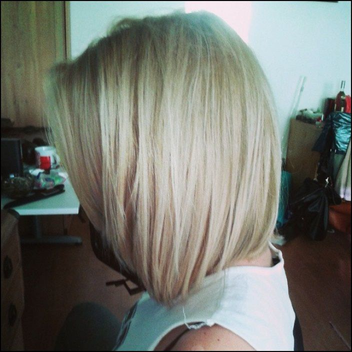 Emejing Medium Cut Hairstyles For Thick Hair Gallery - Styles ...