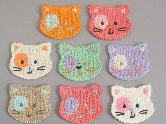 Crochet cat faces. These would be so cute for the flannel board, too, for when I do Three Little Kittens Lost Their Mittens...