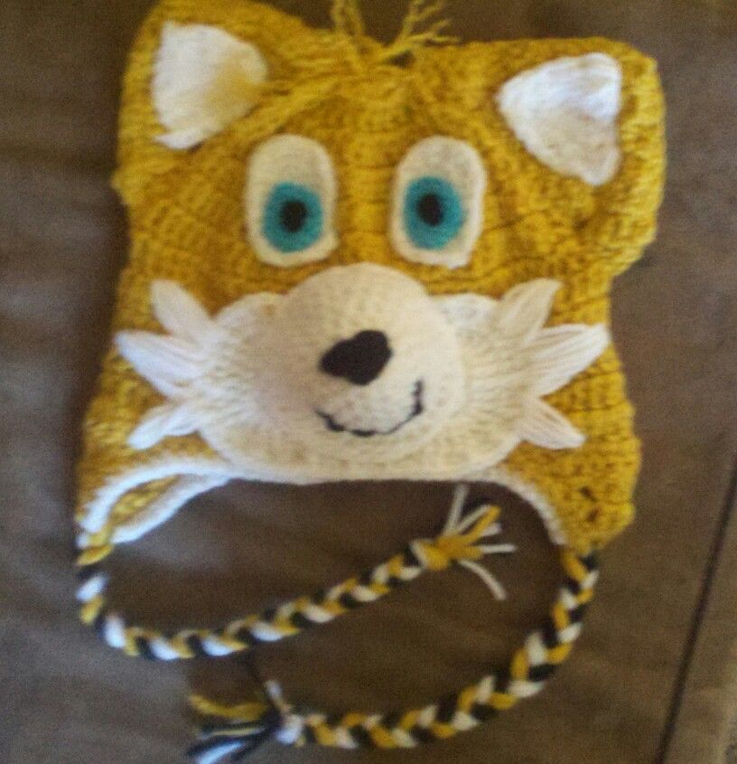 Tails the fox from sonic. Hat beanie. Clarks creation on facebook ...